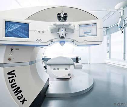 Femtolasik in einer renommierte Augenklinik im Ausland Polen Breslau. Anerkannte Augenchirurgen bieten preisgünstige Augenoperationen, wie Lasik, Lasek, Epilasik an. Die Augenärzte verfügen über große Erfahrungen auf dem Gebiet der Korrektur von Fehlsichtigkeit mit der Lasermethode.
